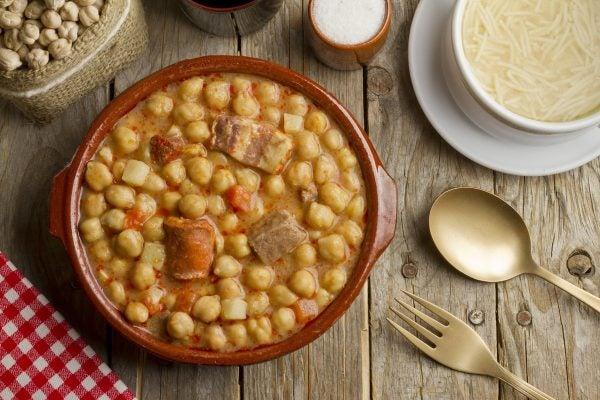 5 platos tipicos de carnaval segun la region de espana cocido gallego