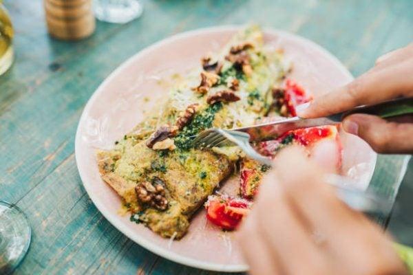 5 recetas fitness sin carne que te van a encantar Frittata queso feta y tomates