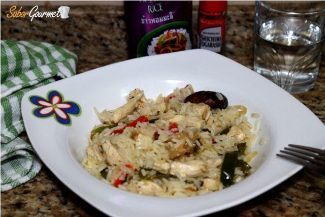 arroz thai pollo