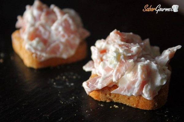 canape-queso-crema-jamon-york