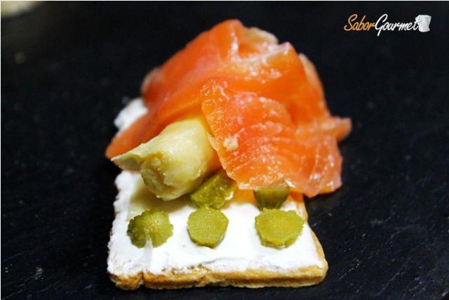 canape salmon y esparragos