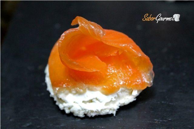 canape salmon y queso