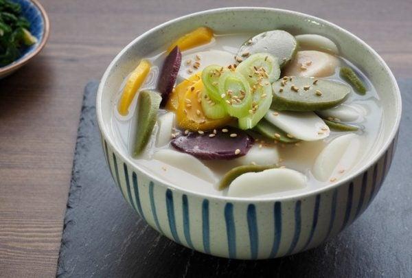 Sopa de rice cakes