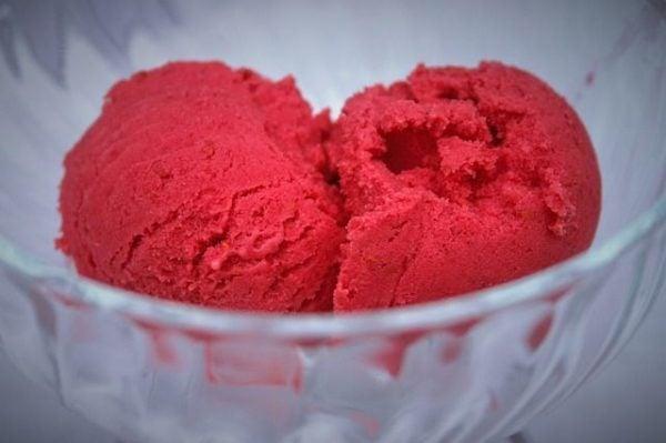 como-hacer-yogur-helado-frambuesa