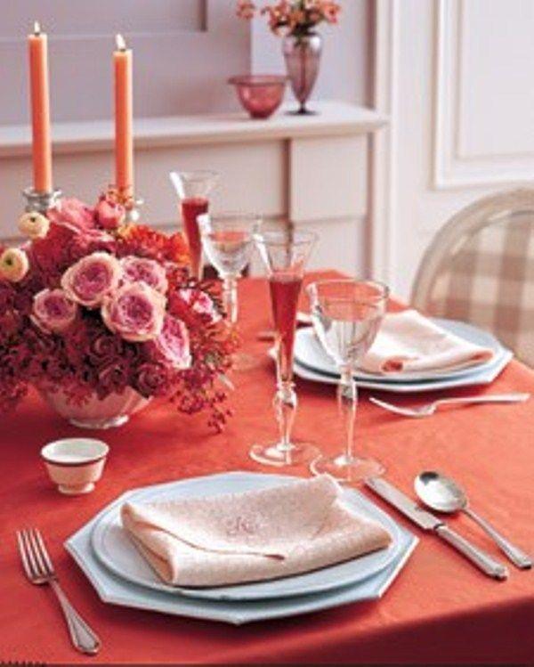 como-poner-la-mesa-en-san-valentin-mantel-rojo