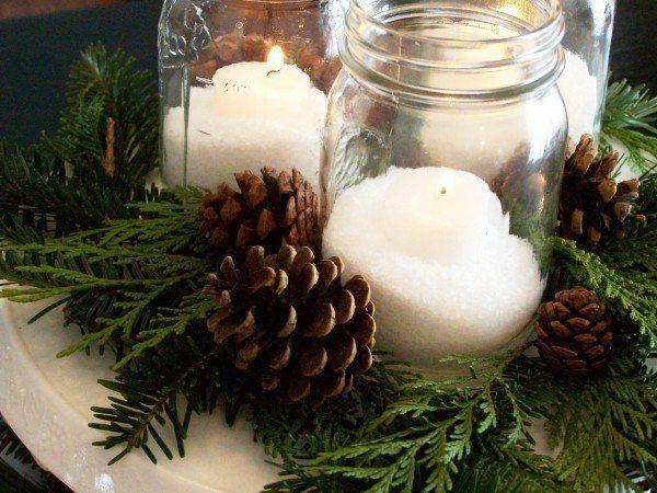 decoracion-mesa-navidad-centro-con-velas-y-pinas