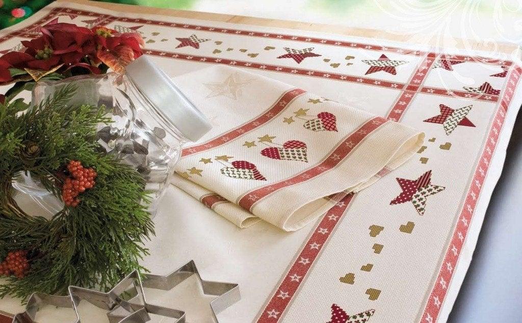 decorar-la-mesa-de-navidad-mantel-estampado