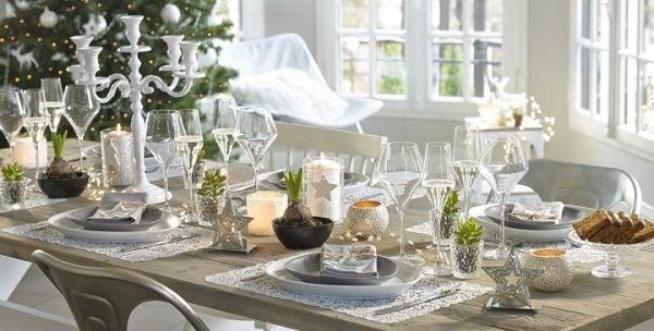 decorar-mesa-de-navidad-elegir-color-blanco