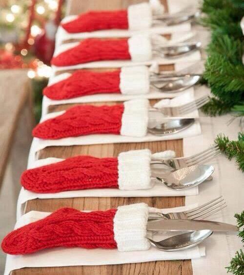decorar-mesa-navidad-ideas-calcetines-para-cubiertos