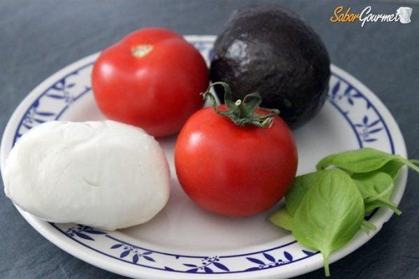 ensalada-aguacates-ingredientes