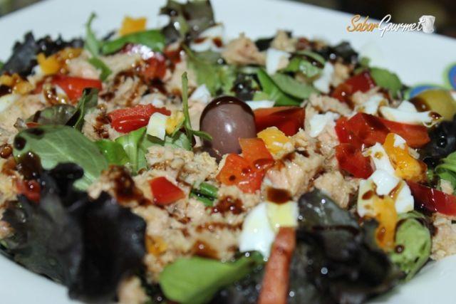 ensalada mixta con vinagre de modena
