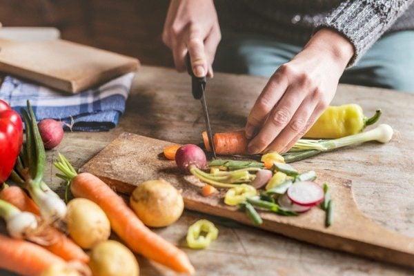 Ensaladas de zanahoria cortar