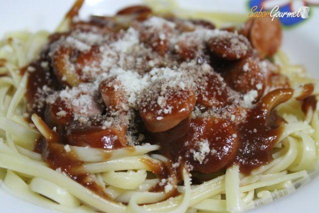 espaguetis con salchicas lekue