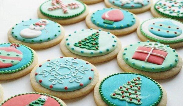 galletas-de-navidad-decoradas-con-motivos-navidenos