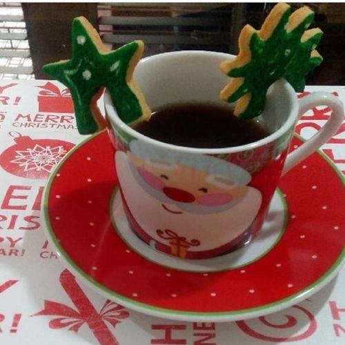 Galletas de Navidad con azúcar glass verde