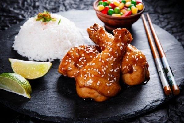 Hacer pollo frito estilo chino
