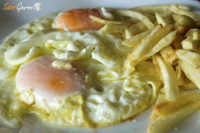 huevos fritos con patatas