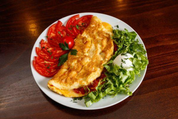 Las mejores recetas de desayunos fitness para perder grasa Tortilla jamón queso y tomate