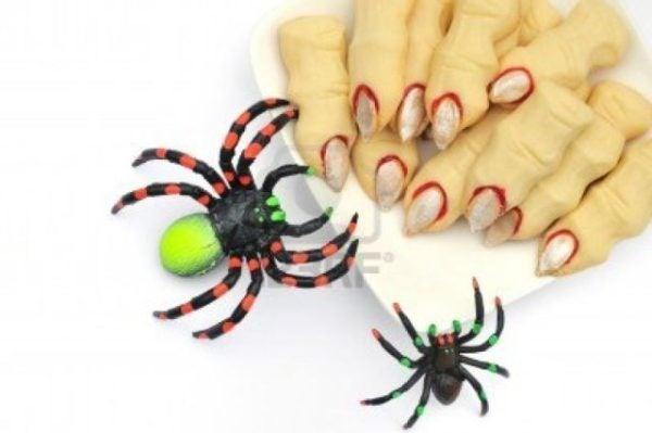 los-dedos-de-la-bruja-de-halloween-cookies-decoracion-con-aranas