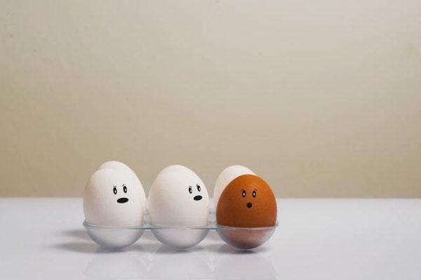 Huevos con rostro