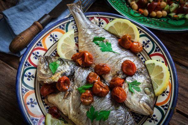 Mejores recetas pescado lubina horno patatas
