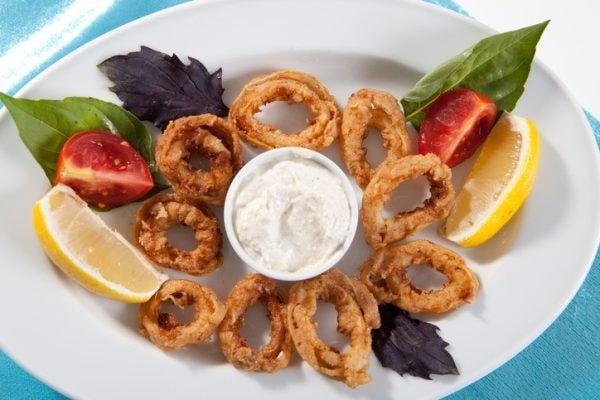 Para que se utiliza la salsa alioli calamares fritos con alioli