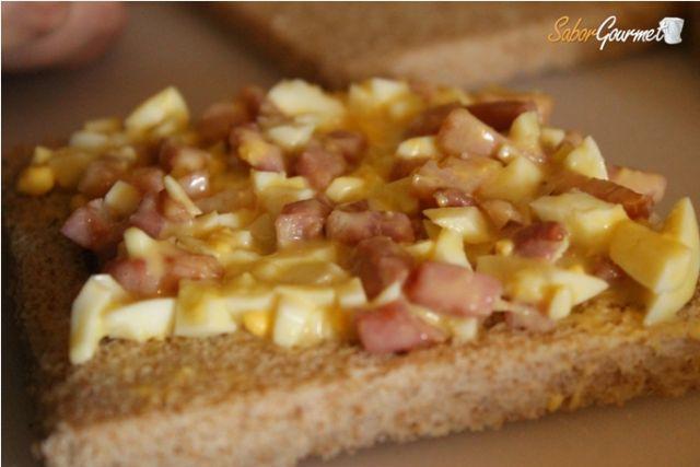 preparacion sandwcih bacon y huevo