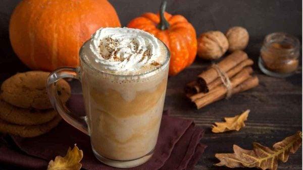 Pumpkin spice latte de Starbucks casa