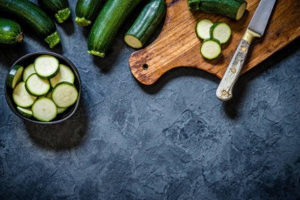 Que frutas y verduras comer en julio calendario de temporada calabacin