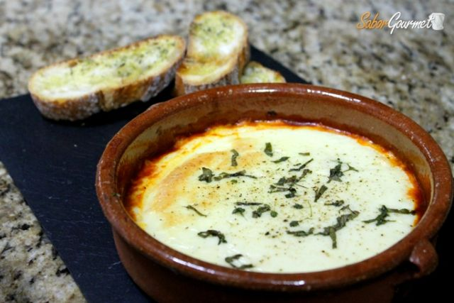 queso provolone con tostas especiales