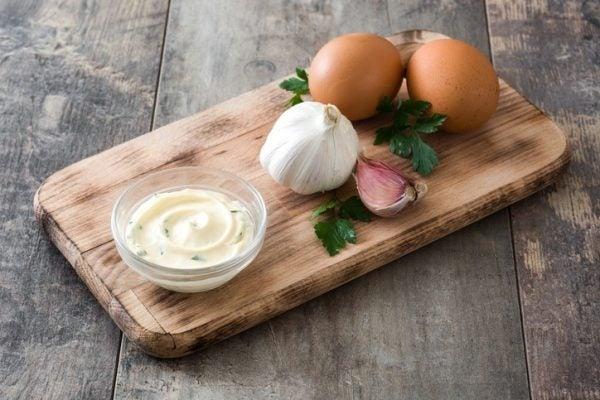 Receta facil de alioli casero con huevo