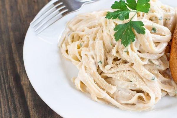 Receta pasta alfredo ingredientes preparacion