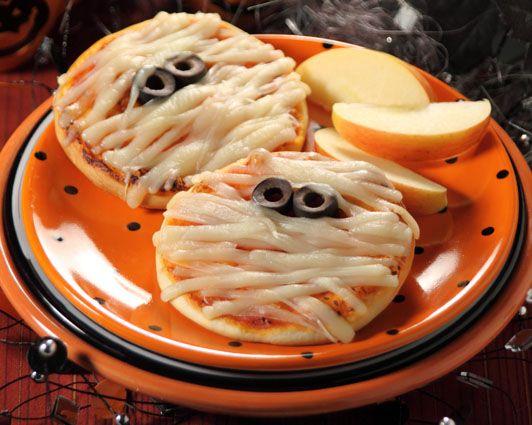 recetas-halloween-momias-minipizzas