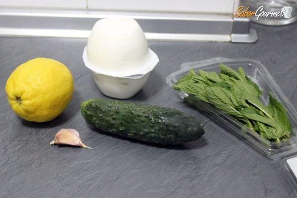 salsa-tzatziki-ingredientes