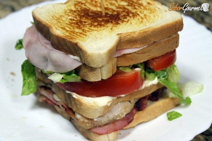 sandwich-club-casero
