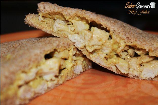 sandwich pollo al curry rodilla