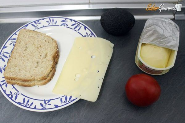 sandwich-queso-aguacate-ingredientes