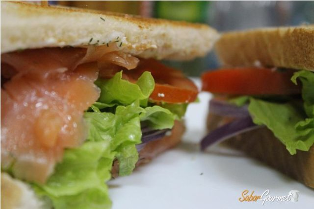 sandwich salmon