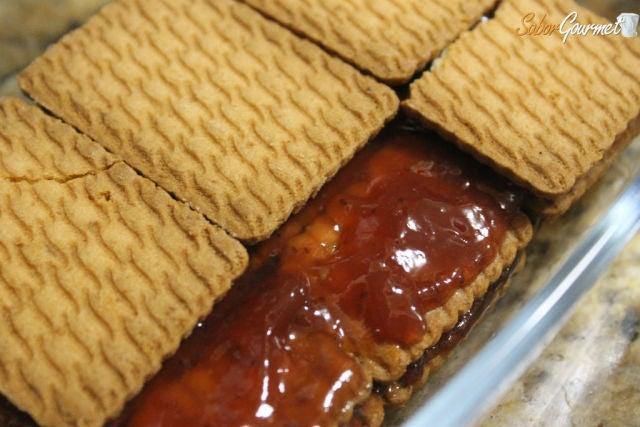 tarta galletas y mermelada