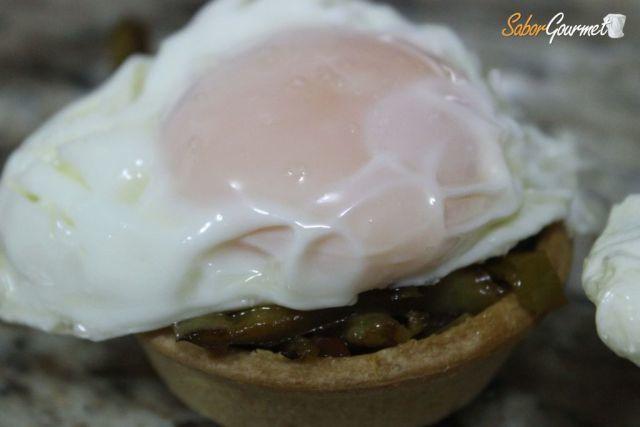 un barja con pisto huevo