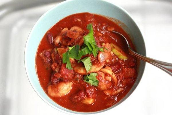 8-maneras-de-convertir-una-lata-de-tomates-en-una-rica-comida-chile-rapido