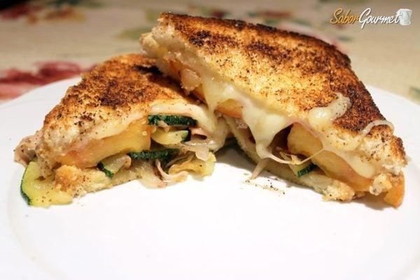 Sandwich pavo queso tetilla verduras