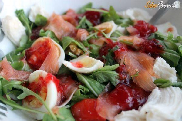 aperitivos-para-nochevieja-ensalada-rucula-y-salmon