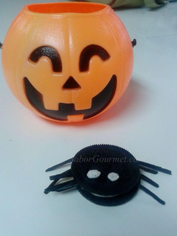 arañas de oreo halloween