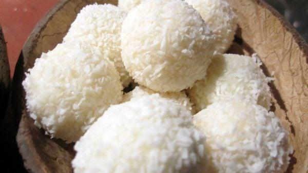 bolas-de-coco-navidad-bolas-de-coco-con-leche-condensada