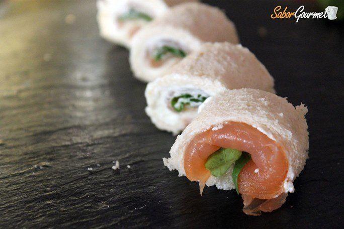 canape-rollitos-salmon-rucula-queso