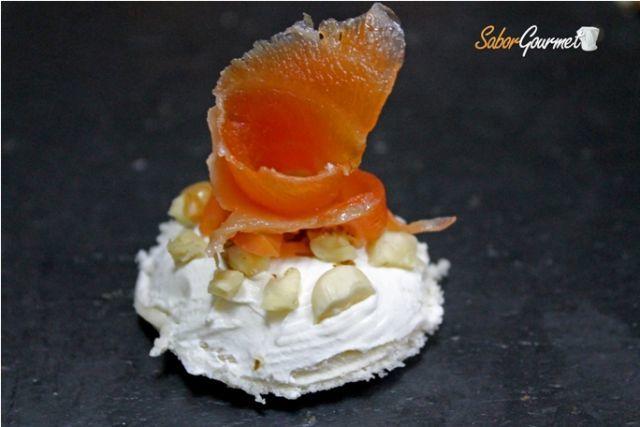 canape salmon queso y nueces