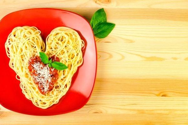 cena-romantica-san-valentin-espaguetis
