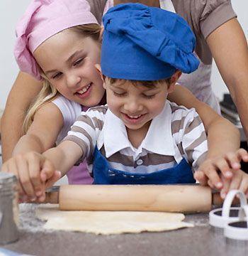 Cu ndo dejar que los ni os comiencen a cocinar - Cocina con ninos pequenos ...