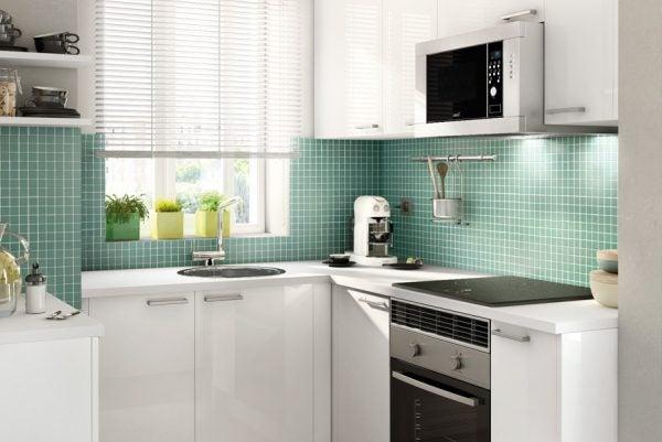 cocina-pequeña-blanco-verde